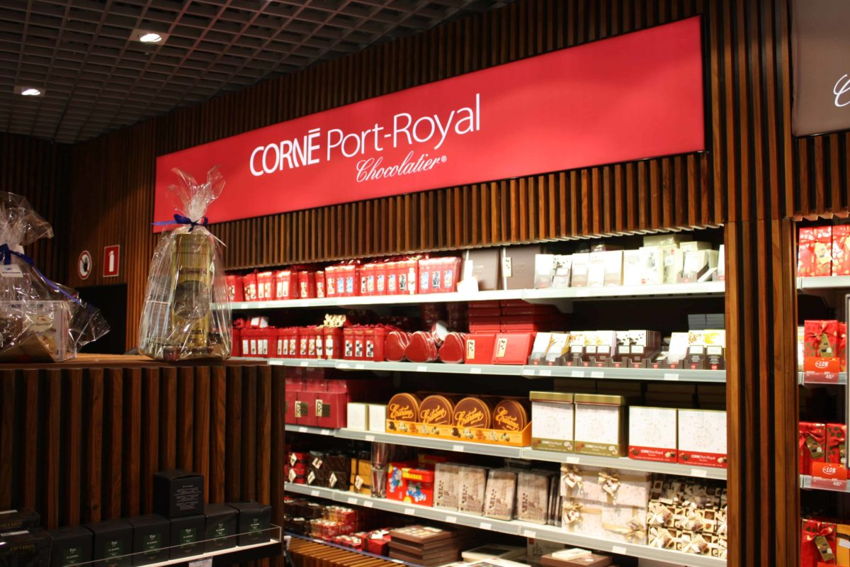 International Duty Free - FyBox - lightbox Corné Port-Royal