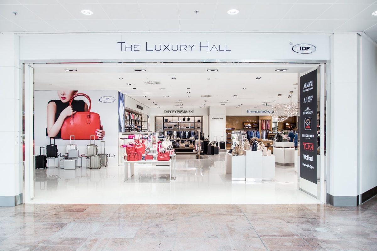 International Duty Free - FyBox - lightbox Luxury hall visual merchandising