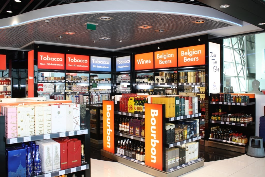International Duty Free - FyBox - lightbox visual merchandising