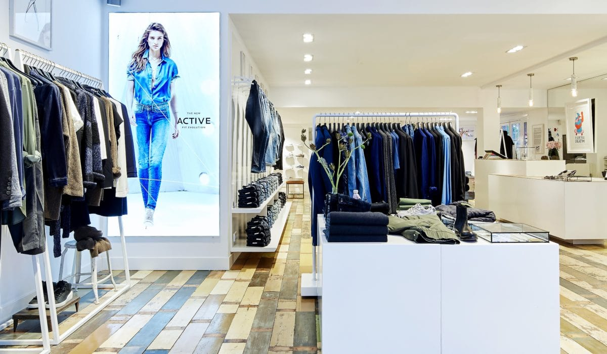 Denham - FyBox - lightbox visual merchandising