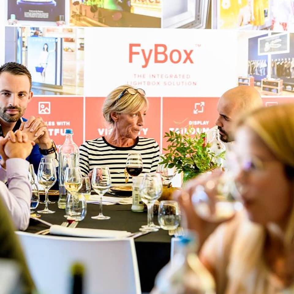 RetailDetail - FyBox - customer obsession - lightbox